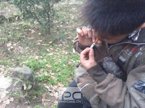 媒体揭当代农村少年生活 拉帮结派斗殴是常态