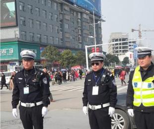 淮阳县爱心企业慰问奋斗在一线的交通警察